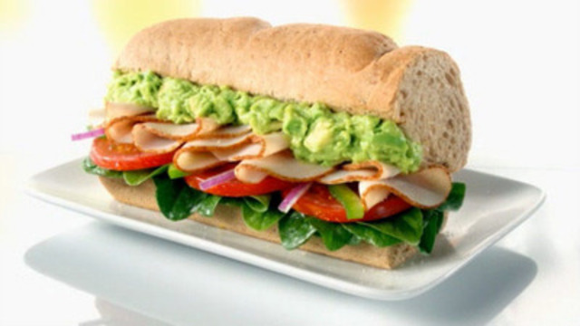 Turkey & Bacon with Avocado specialty sandwich (CNW Group/SUBWAY RESTAURANTS)
