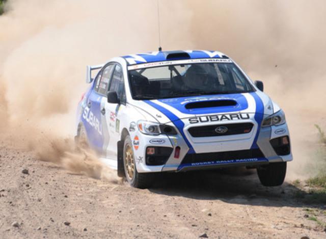 L'Équipe canadienne des rallyes Subaru en pleine action à bord de leur toute nouvelle Subaru WRX STI 2015 au Rallye Défi. (Groupe CNW/Subaru Canada Inc.)
