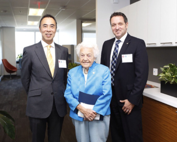 Yuji Matsue, Chairman & CEO, Eisai Inc and Oliver Technow, President and General Manager, Eisai Limited pose with Mayor Hazel McCallion, City of Mississauga at the office opening event. (CNW Group/Eisai Limited)