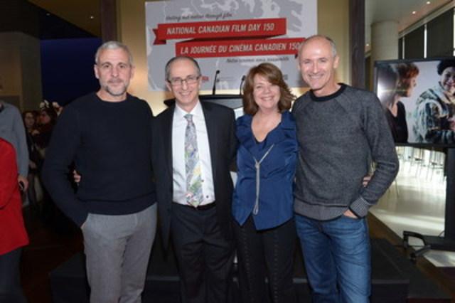 De gauche à droite : Patrick Huard, cinéaste canadien, Jack Blum, directeur général, et Sharon Corder, directrice artistique, tous deux de REEL CANADA, et Colm Feore, cinéaste canadien, à l'occasion de l'annonce de la Journée du cinéma canadien 150. (Groupe CNW/REEL CANADA)