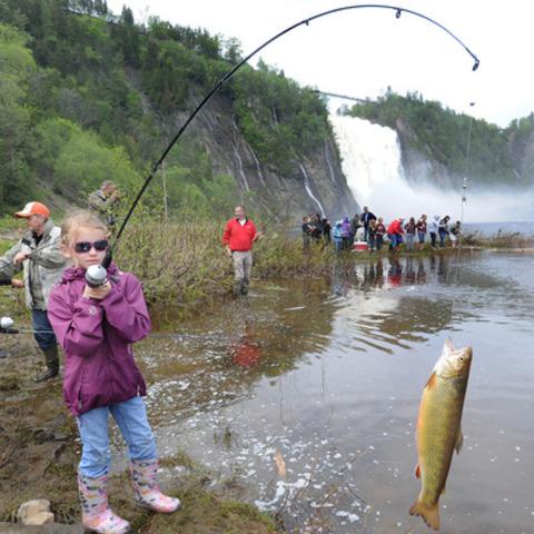 Belle prise! Cette année, plus de 15 700 jeunes de 9 à 12 ans recevront une canne à pêche de Canadian Tire dans le cadre du programme de formation de la relève Pêche en herbe de la Fondation de la Faune du Québec. (Groupe CNW/SOCIETE CANADIAN TIRE LIMITEE)