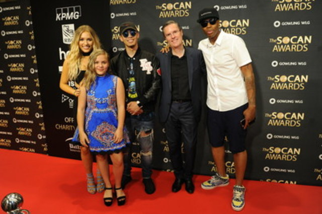 Livin' it up at the SOCAN Awards 2016. Left to right: Lennon & Maisy Stella, Eestbound (Bryan Van Mierlo), SOCAN CEO Eric Baptiste, and Kardinal Offishall (Photo: Grant W Martin Photography) (CNW Group/SOCAN)