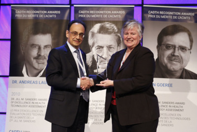 Dr. Renaldo Battista receives the Dr. Jill M. Sanders Award of Excellence in Health Technology Assessment at the 2015 CADTH Symposium. (CNW Group/Canadian Agency for Drugs and Technologies in Health (CADTH))