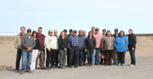 Participants à la quatrième réunion de la Table ronde autochtone du caribou de la peninsula Ungava. Manquant: Innu Nation (Labrador) (Groupe CNW/Table ronde sur le caribou de la péninsule Ungava)