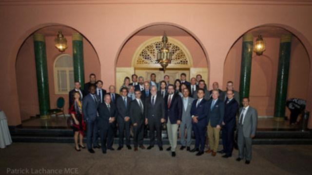 Marrakech, le 14 novembre 2016. - Le premier ministre du Québec, Philippe Couillard, et le ministre du Développement durable, de l''Environnement et de la Lutte contre les changements climatiques, David Heurtel, ont rencontré les participants à la mission commerciale organisée dans le cadre de la 22e Conférence des Parties à la Convention-cadre des Nations Unies sur les changements climatiques (COP22) à Marrakech au Maroc. (Groupe CNW/Cabinet du premier ministre)