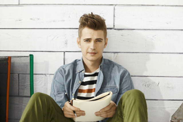 Hayden Christensen for RW&CO. Summer 2014 Collection (CNW Group/RW&CO.)