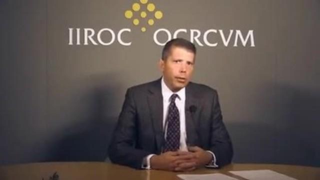 Vidéo - Le président et chef de la direction de l'OCRCVM, Andrew J. Kriegler, explique pourquoi l'OCRCVM cherche à obtenir des pouvoirs accrus en matière de mise en application afin d'améliorer la protection des investisseurs.