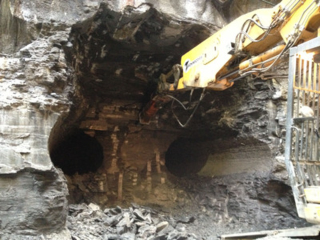 Excavation of the top half of the pedestrian tunnel to Billy Bishop Toronto City Airport (mainland side). (CNW Group/Toronto Port Authority)