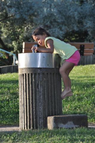 Faciliter l'accès aux fontaines d'eau : un véritable choix santé, économique et écoresponsable (Groupe CNW/Coalition québécoise sur la problématique du poids)
