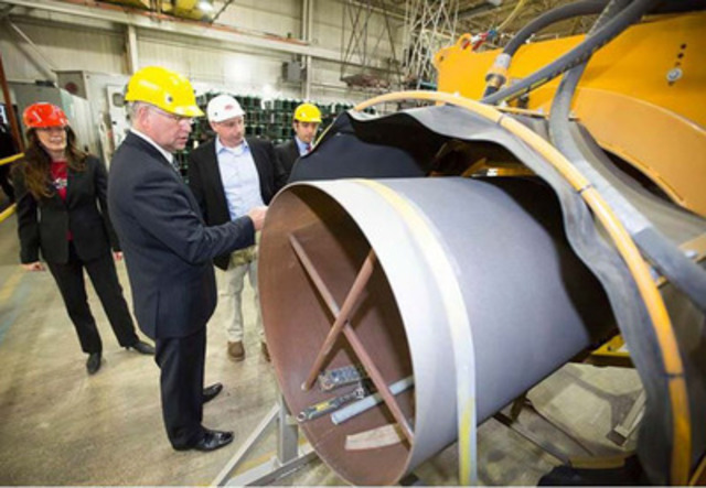 Minister Goodyear visiting Automatic Coating Limited. (CNW Group/Ontario Liberal Party)