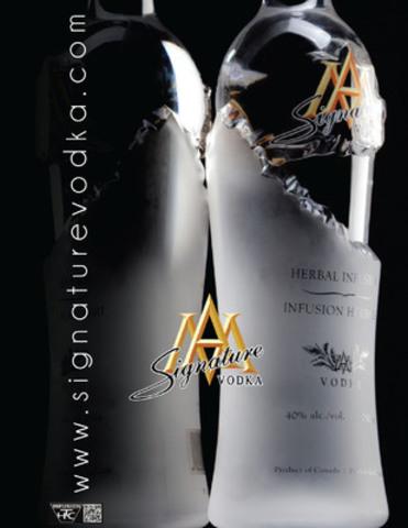 TAILLÉE À LA PERFECTION - Les connaisseurs de l'industrie ont acclamé la vodka Signature comme une œuvre artistique et novatrice. Une vodka ultra premium faite à la perfection. www . s i g n a t u r e v o d k a . com (Groupe CNW/Signature vodka)