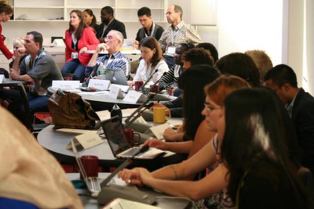 Le 3 octobre 2013, les participants de Learning 2030 ont présenté le communiqué sur Equinox, soit le plan qu'ils ont élaboré conjointement pour déterminer comment créer des écoles secondaires qui accordent la priorité à la résolution de problèmes, à la pensée critique et à l'innovation. (Groupe CNW/Waterloo Global Science Initiative (WGSI))