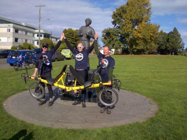 Bob MacDonald, Craig Aucoin and Lloyd McLean wrapped up the Craig Gives Back-2-Back Cross Canada Tour at the Terry Fox Memorial Monument in Victoria, B.C. on Sunday, Oct. 27. (CNW Group/Craig Gives Back)