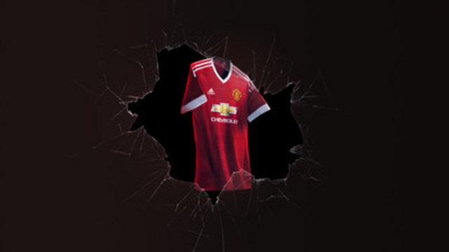 The adidas Manchester United new home kit for the 2015/16 season features a classic v neck cut collar and three stripe design down the shoulder. The design on the hem of the shirt is taken from the 1990 shirt famously worn by Ryan Giggs in his debut season. (CNW Group/adidas Canada Limited)