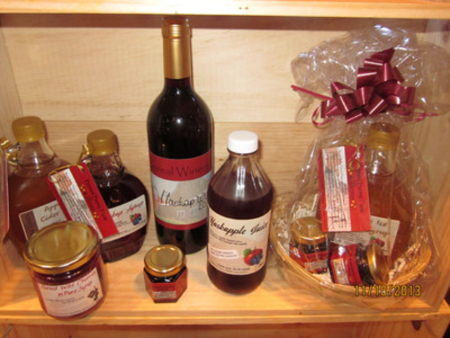 Boreal Berry Farm & Winery Haskap Wine, Juices, and Syrups (CNW Group/Boreal Winery)