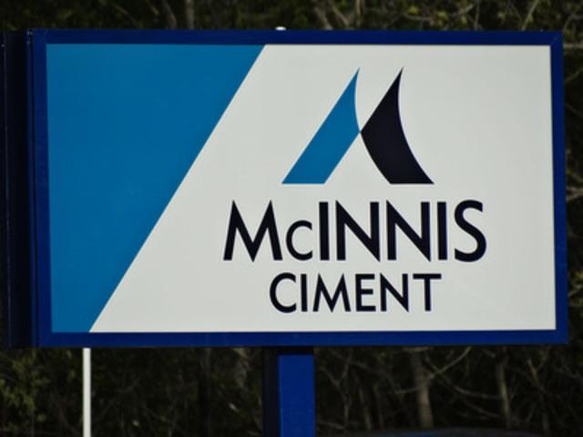 Affiche extérieure (Groupe CNW/McInnis Ciment)