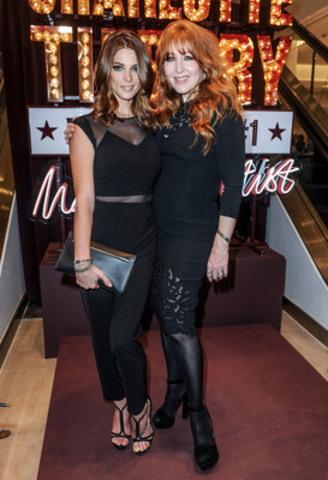 Ashley Greene & Charlotte Tilbury (CNW Group/Charlotte Tilbury)