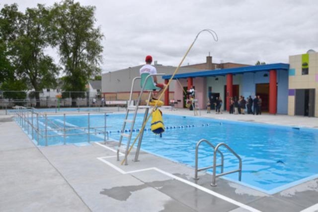 Les nouvelles installations aquatiques du parc Maria-Goretti comprennent une piscine avec rampe d'accès pour personnes handicapées, une pataugeoire, une aire de pique-nique ainsi qu'un pavillon des plus fonctionnels. (Groupe CNW/VILLE DE MONTREAL - ARRONDISSEMENT RIVIERES-DES-PRAIRIES - POINTE-AUX-TREMBLES)