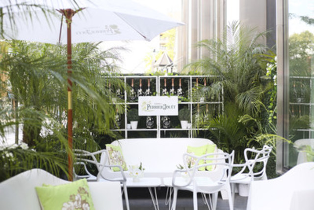 "L'Eden by Perrier-Jouët is an enchanting outdoor hideaway at Yorkville's d|bar patio that''s the perfect setting to sip champagne and enjoy ""bubbles and bites"" inspired cuisine. (CNW Group/Corby Spirit and Wine Communications)"