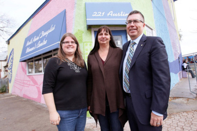 (Left to Right) Christie Paul, Neighbourhood Resource Coordinator, North Point Douglas Women's Centre; Shannon Buck, Program Founder, Red Road to Healing and Traditional Teachings (RRHTT); and Kelvin Shepherd, President, MTS, outside of the North Point Douglas Women's Centre - one of the locations where the RRHTT program will be offered in early 2014. (CNW Group/MTS Allstream)
