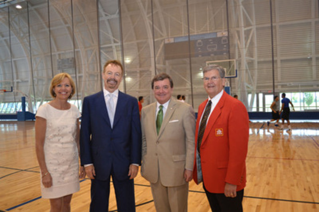 From Left to Right: Christine Elliott, MPP, Whitby-Oshawa; David Taylor, President & CEO, Pacific & Western Bank of Canada; Hon. Jim Flaherty, Federal Minister of Finance; Paul Straus, President & CEO, Home Hardware Stores Limited (CNW Group/Pacific & Western Credit Corp.)