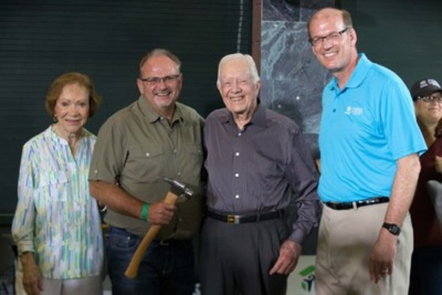 Rosalynn Carter, Mark Rodgers (CEO & President, Habitat for Humanity Canada), Jimmy Carter and Jonathan Reckford (CEO, Habitat for Humanity International) at 'Passing of the Hammer' ceremony to announce the 34th Jimmy & Rosalynn Carter Work Project coming to Canada. (CNW Group/Habitat for Humanity Canada)