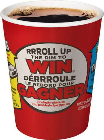 Le concours DéRRRoule le rebord pour gagner est de retour avec plus de 48 millions de prix à gagner - c'est plus de prix que toute la population du Canada - donc, tout le monde peut être un gagnant! (Groupe CNW/Tim Hortons)