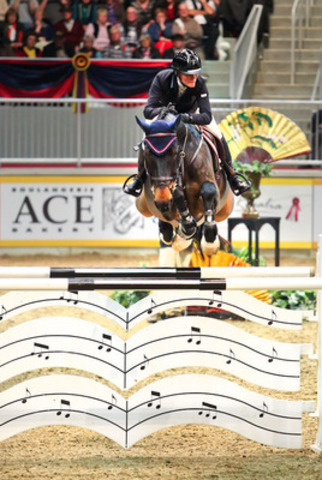 Beth Underhill and Viggo took second place in tonight's $75,000 Ricoh Big Ben Challenge at the CSI4*-W Royal Horse Show. Viggo was named the Leading Canadian Horse of the competition. (CNW Group/Royal Agricultural Winter Fair)