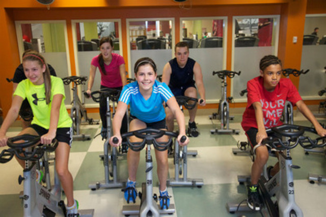 GoodLife Fitness is offering a FREE Teen Fitness Program from coast-to-coast this summer for youth between the ages of 12 and 17-years-old, July 3rd to August 31st. (CNW Group/GoodLife Fitness)