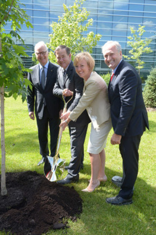 From left to right: Mr. Robert Coallier, CEO (Agropur), Mr. Serge Riendeau, president (Agropur), Ms. Caroline St-Hilaire, Longueuil Mayor, and Mr. Jean-Claude Poissant, Federal MP for La Prairie and Parliamentary Secretary to the Minister of Agriculture and Agri-Food (CNW Group/Agropur)