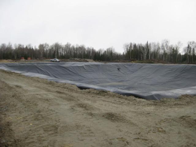 Mine Belleterre : bassins de rétention d'eau (Groupe CNW/RESSOURCES CONWAY inc.)