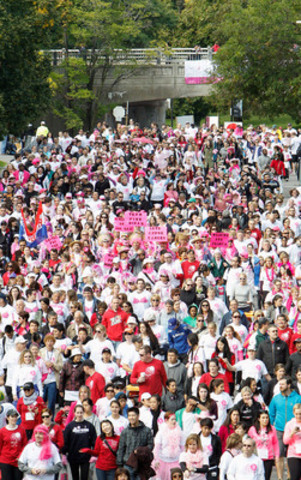 The fundraising efforts and volunteer support of over 170,000 annual participants allows the Foundation to continue funding groundbreaking research, education, awareness and advocacy initiatives. (CNW Group/Canadian Breast Cancer Foundation)