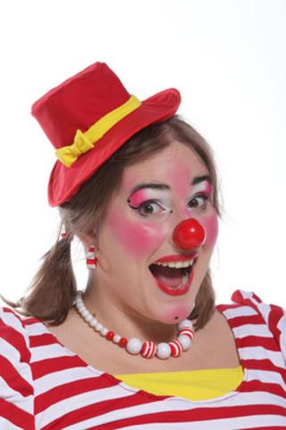 Pakane la clown participe à la relâche au Musée de la civilisation. Elle fait une animation lors de la Soirée cinéma pyjama, le 2 mars. (Groupe CNW/Musée de la Civilisation)