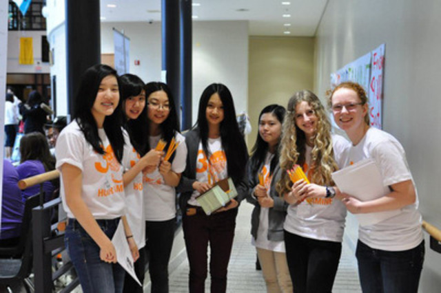 Students gather together to do the 30 Hour Famine at Earl Haig Secondary school in 2013 (CNW Group/World Vision Canada)