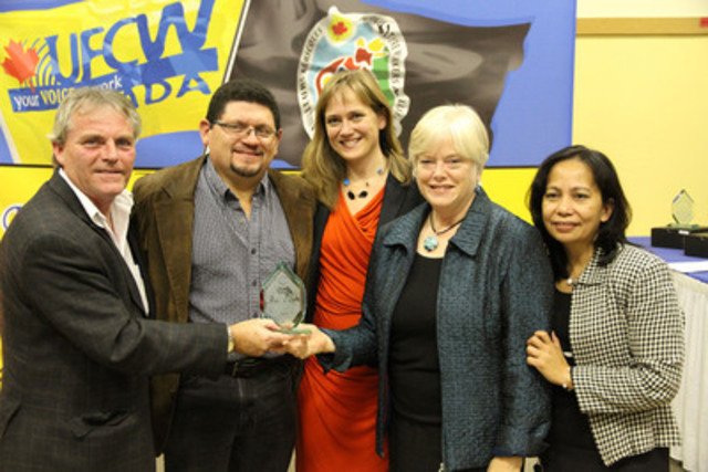 KAIROS: Canadian Ecumenical Justice Initiatives (www.kairoscanada.org) was the recipient of a UFCW Canada Agricultural Workers Award, along with four others, in recognition for its outstanding contributions to improving the lives of agriculture workers in Canada. The award was presented at a ceremony in Toronto on November 21, 2012. From left UFCW National Representative Stan Raper, hands the award to KAIROS representatives Migrant Justice Program Coordinator Alfredo Barahona, Executive Director Jennifer Henry, Board Member Adele Finney and Asia-Pacific Program Coordinator Connie Sorio. (CNW Group/KAIROS: Canadian Ecumenical Justice Initiatives)
