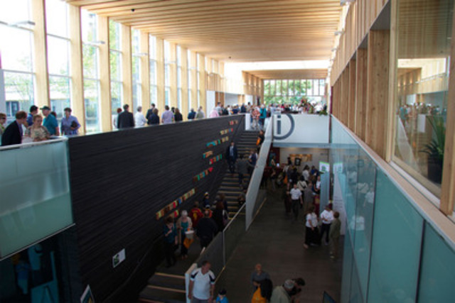 City of North Vancouver Civic Centre Renovation: A showcase for wood innovation. (CNW Group/Canadian Wood Council for Wood WORKS! BC)