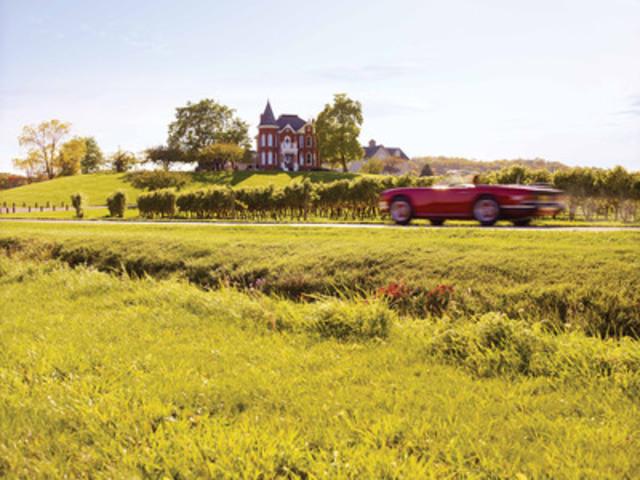 Niagara Escarpment and Twenty Valley (CNW Group/Wine Country Ontario)