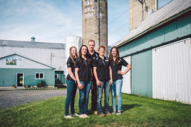Mario Lefebvre and Denise Joyal from Ferme Bois Mou 2001 inc., pictured here with their daughters, won the 2015 Dairy Farm Sustainability Award, sponsored by DeLaval Canada. They received their award July 15 at Dairy Farmers of Canada's Annual General Meeting in Vancouver, British Columbia. (CNW Group/Dairy Farmers of Canada (Corporate))