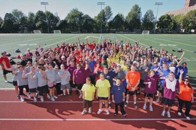 Le premier Marathon de Sport de Montréal remet plus de 50 000 $ à Olympiques Spéciaux Québec et Canada (Groupe CNW/Marathon de Sport de Montréal)