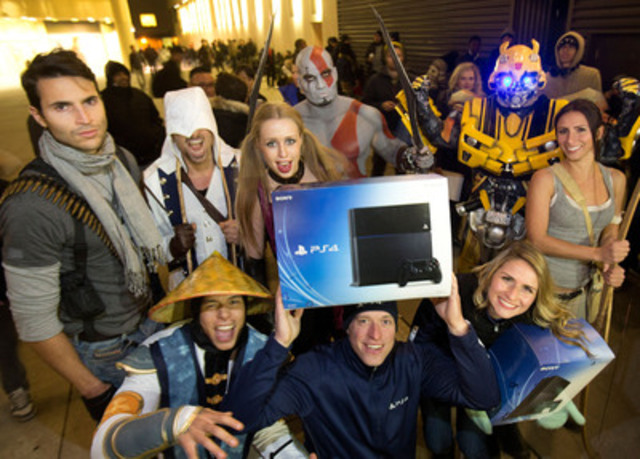PlayStation characters celebrate the arrival of PlayStation 4 at Best Buy in Toronto. (CNW Group/Sony Computer Entertainment Inc.)