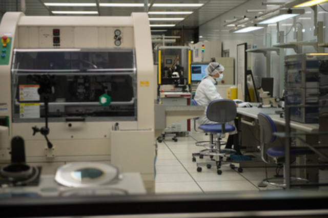Celestica's microelectronics lab in Toronto accelerates prototyping and commercialization of electronics products (CNW Group/Celestica Inc.)