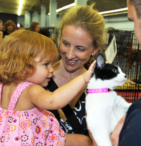 Those looking to adopt a pet can find thousands of adoptable pets at PetSmart Charities National Adoption Weekend events in all PetSmart stores Sept. 14-16. (AP Photo/Art Foxall) (CNW Group/Weber Shandwick Worldwide) (CNW Group/PetSmart Charities of Canada, Inc.)