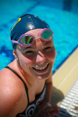 La nageuse paralympique Stephanie Dixon se joint à l'Équipe de relève CIBC à titre de mentor (Groupe CNW/Banque Canadienne Impériale De Commerce)