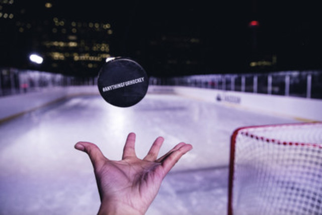 Molson Canadian #AnythingForHockey Rooftop Rink captured by Toronto Photographer Adeyemi Adegbesan @soteeoh (CNW Group/Molson Coors Canada)