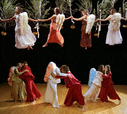 Performers recreate a scene from Botticelli's The Mystic Nativity. © Fulmar TV Limited (CNW Group/TVO)
