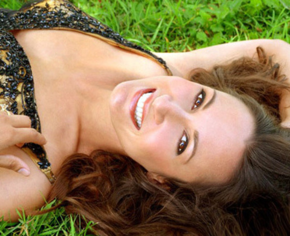Actor Sitara Hewitt speaks and writes on easy health solutions for busy, stressful lives. (Photo by Ribee.com) ...