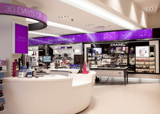 Shoppers Drug Mart enhanced beautyBOUTIQUE opens at Chinook Centre in Calgary featuring more prestige colour cosmetics, fragrances and skincare for beauty lovers. (CNW Group/Shoppers Drug Mart Corporation)