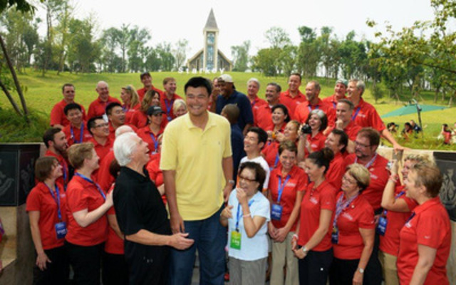 NBA All Stars Yao Ming and Caron Butler join the Starkey Hearing Foundation (CNW Group/Collingwood and Wasaga Hearing Clinic Inc.)