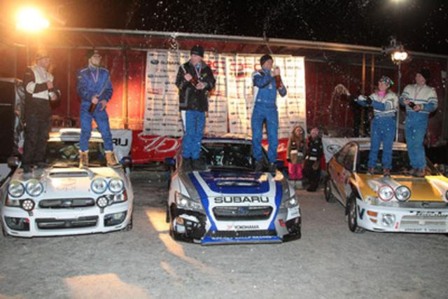 L'Équipe canadienne des rallyes Subaru (au centre) célèbre la victoire au Rallye Perce-Neige 2015. (Photo courtoisie de Phil Ericksen / Radikal Videos) (Groupe CNW/Subaru Canada Inc.)