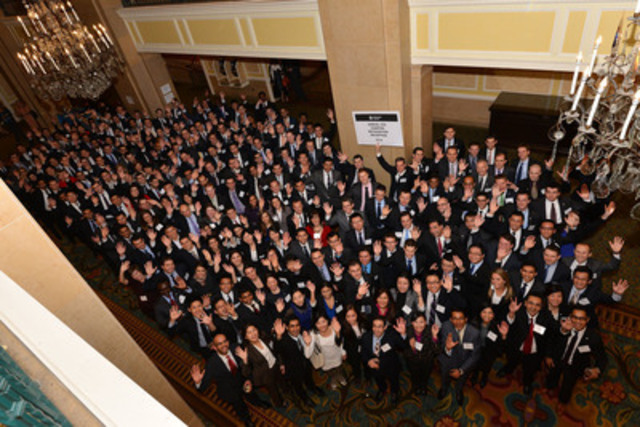 New charterholders celebrate at reception in Toronto (CNW Group/CFA Society Toronto)